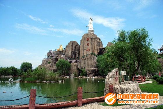 """旅游新闻报道:安徽八里河风景区推出""""学子特价游""""活动"""